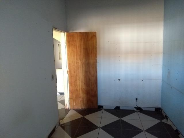 Qno 16 esquina - casa de 03 qts + casa de fundos - Foto 6