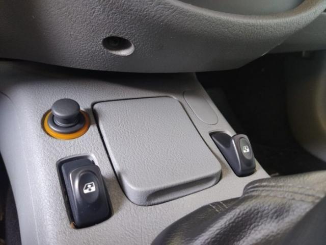 Renault clio hatch 2007 1.0 authentique 16v hi-flex 4p manual - Foto 5