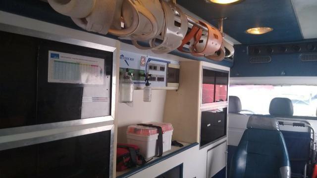 Ambulância Sprinter Básica Completa - Foto 9