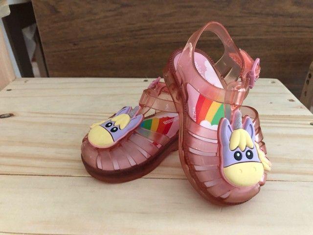 Vende-se sandálias tamanhos 19 e 20 respectivamente  - Foto 2