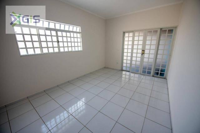 Imóvel Amplo com 4 dormitórios (2 Suítes). Área de Lazer. 235 m² de área construída. Laran - Foto 4