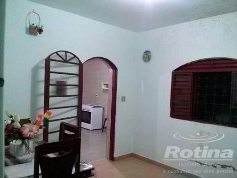 Casa à venda, 6 quartos, 3 suítes, 5 vagas, Tibery - Uberlândia/MG - Foto 2