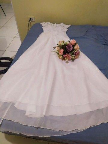 Vestido de noiva e buquê - Foto 5