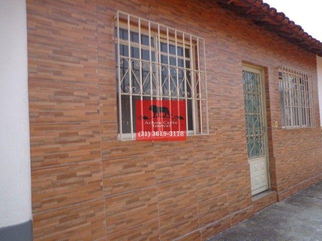 Casa germinada com 2 quartos á venda no bairro Letícia em BH