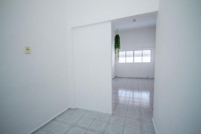 Apartamento com 2 quartos para alugar, 90 m² por R$ 1.800/mês com taxas - Boa Viagem - Rec - Foto 4