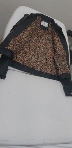 Jaqueta feminina extremamente semelhante ao couro - Foto 2