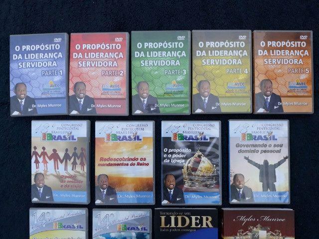 Coleção com 11 DVDs + 2 Livros Pastor Myles Munroe - Foto 2