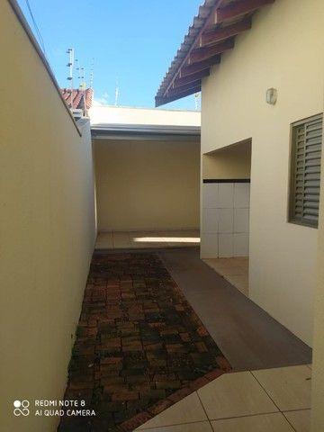 Casa - 01 suíte e 02 quartos e edícula ampla.prox  a escola militar - Foto 18