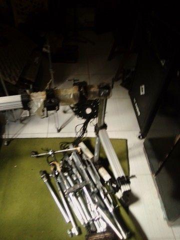 Rack + 6 clamp de bateria - Foto 3