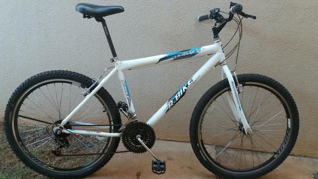 Bicicleta Aro 26 - 18 marchas semi- nova!!!!!!