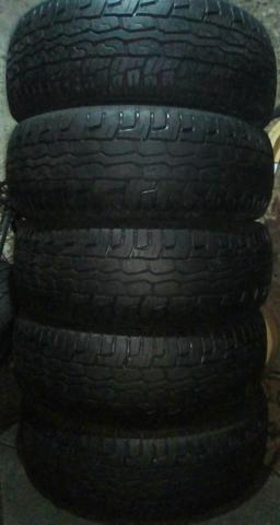 Jogo de pneus 265/65/17 geolander