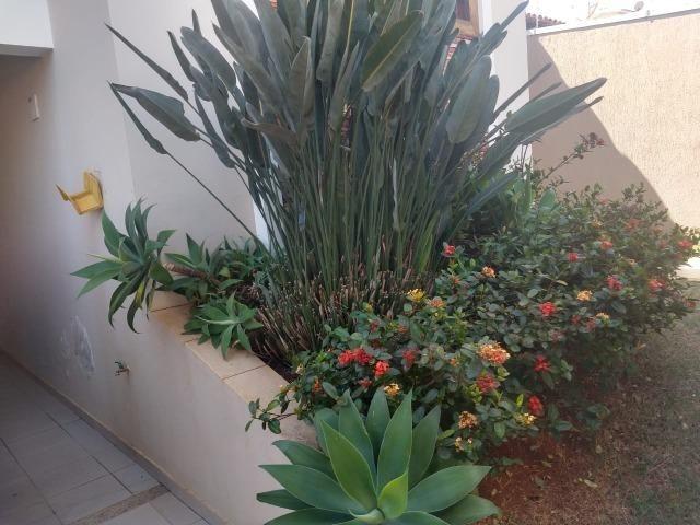 Linda casa com 03 suítes no bairro Jardim Paraíso em Patos de Minas/MG - Foto 8