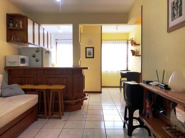 02 dormitorios, garagem . R$ 270 mil