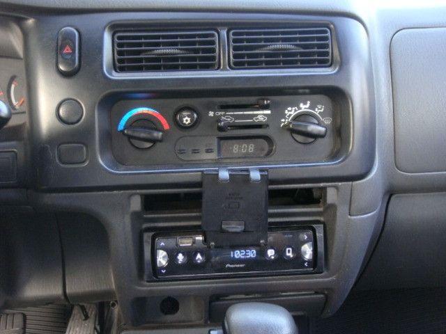 L-200 2.5 Sport HPE 4x4 Cabine Dupla Turbo Automatica - 2006 - Diesel - Prata - Foto 12