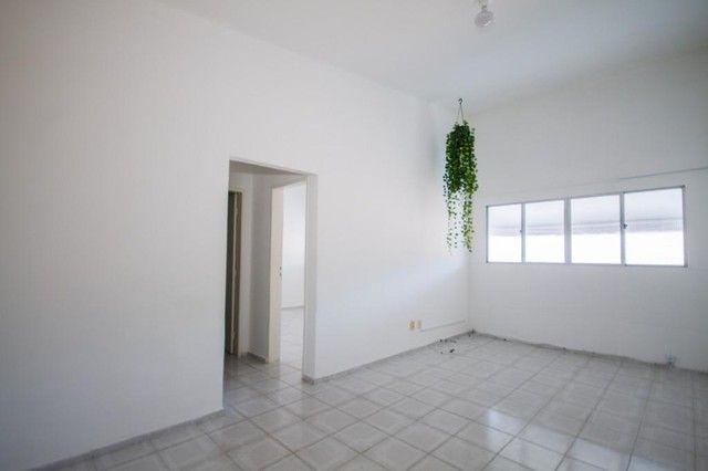 Apartamento com 2 quartos para alugar, 90 m² por R$ 1.800/mês com taxas - Boa Viagem - Rec