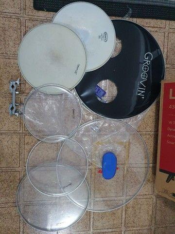 Bateria Groovin com peles hidráulicas RMV + 6 Pratos Orion + Bolsa+ clamp+banco - Foto 5