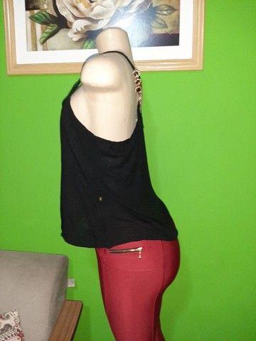 Blusa em Viscose Preta - Tam. M - Foto 3