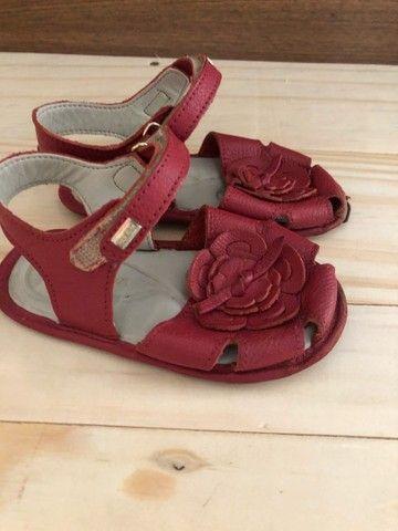 Vende-se sandálias tamanhos 19 e 20 respectivamente  - Foto 4