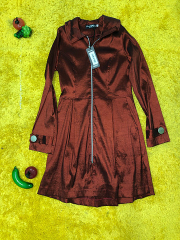 Luxuoso casaco vermelho