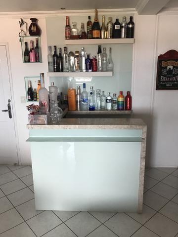 Vende-se bar residencial marmore silestone vidro branco led