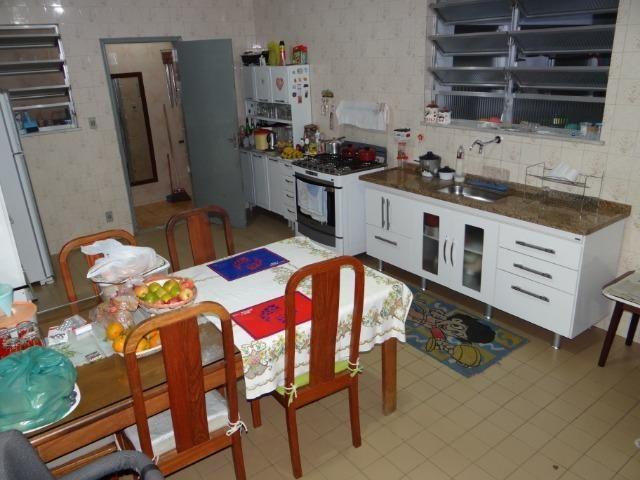 Casa com 2 moradias, 4 vagas e 1 salão de festas no Bairro Castrioto - Foto 14