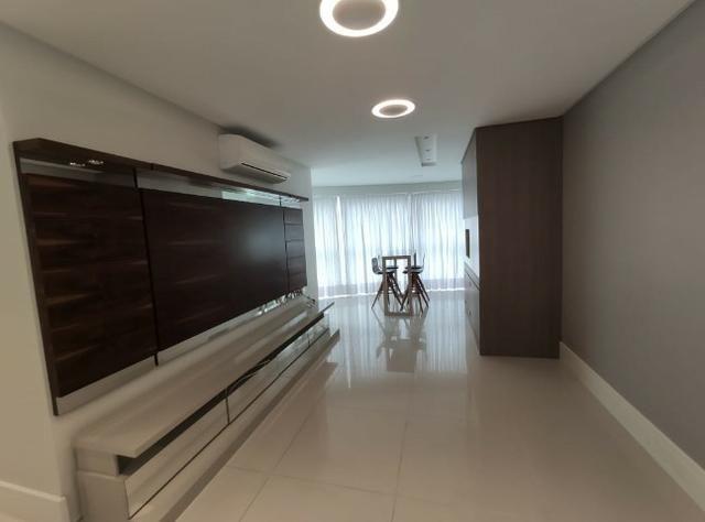 Apartamento Semi Mobiliado no Brava Beach, 4 suites 3 vagas, praia brava Itajai! - Foto 8