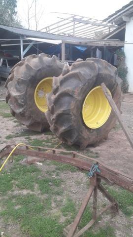 Par de pneus agricola completo montados. aros pneus e camara 23 1 26