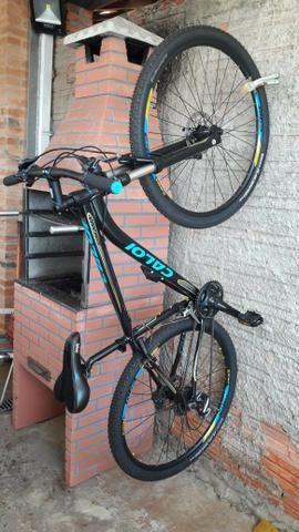 Bicicleta MTB Caloi Atacama Aro 29 Tam 17 Câmbios Shimano