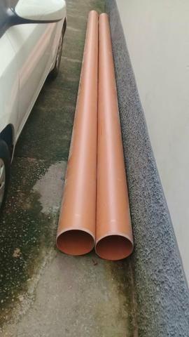 02 tubos de pvc 200 milímetros