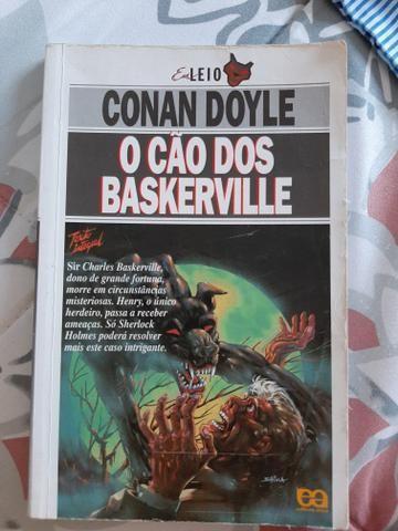 Livro o cão dos Baskerville