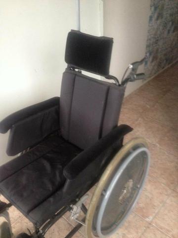 Cadeira de rodas reclinável otimo estado