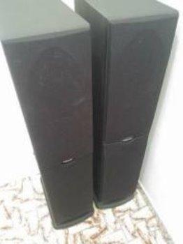 Par de caixa Polk Audio RT2000i com Subwoofer Ativo integrado