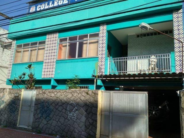 Casa com 3 dormitórios à venda, 120 m² por R$ 630.000