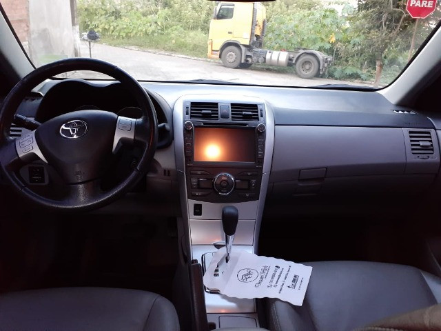 Toyota Corolla GLI 1.8 Flex Automático 2013 - Foto 13