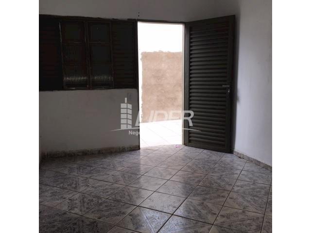 Casa para alugar com 3 dormitórios em São jorge, Uberlândia cod:804306 - Foto 12