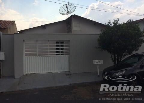 Casa à venda, 3 quartos, 1 vaga, Pacaembu - Uberlândia/MG