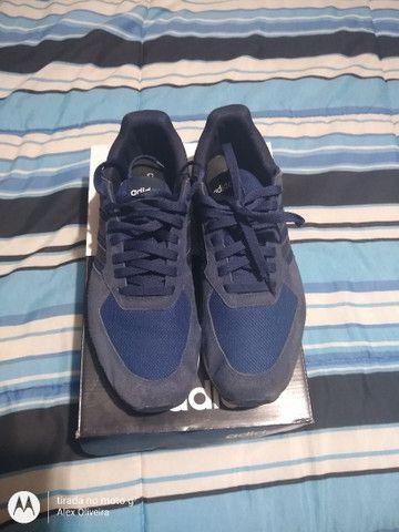 Tênis Adidas 41 - Foto 2