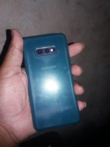 Sansung galaxy S 10E 128 GB Android 10 - Foto 3