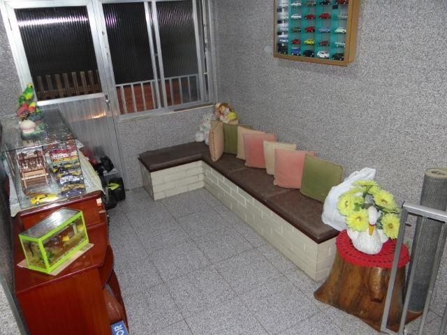 Casa com 2 moradias, 4 vagas e 1 salão de festas no Bairro Castrioto - Foto 16
