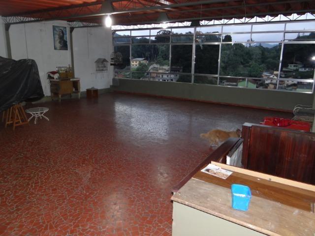 Casa com 2 moradias, 4 vagas e 1 salão de festas no Bairro Castrioto - Foto 8