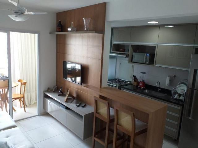 Apartamento de 2 quartos com suíte no Villaggio Limoeiro