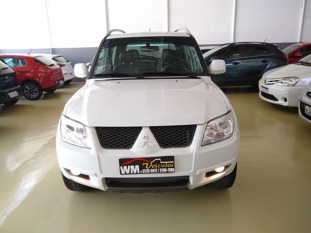 Mitsubishi pajero tr4 2015