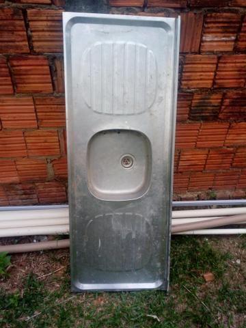 Desapego dessa pia em alumínio - Foto 2