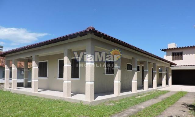 Casa para alugar com 5 dormitórios em Centro, Tramandai cod:8660