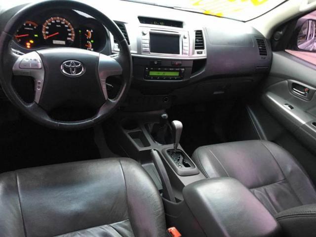 Toyota Hilux CD 4X4 SRV AUT DIESEL TOP DE LINHA  - Foto 9