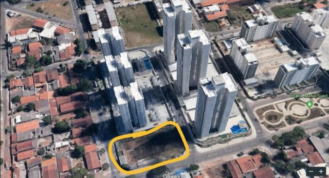 Área com projeto aprovado e fundação pronta para construção de condomínio