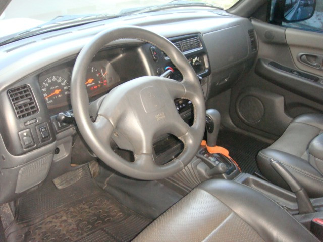 L-200 2.5 Sport HPE 4x4 Cabine Dupla Turbo Automatica - 2006 - Diesel - Prata - Foto 14