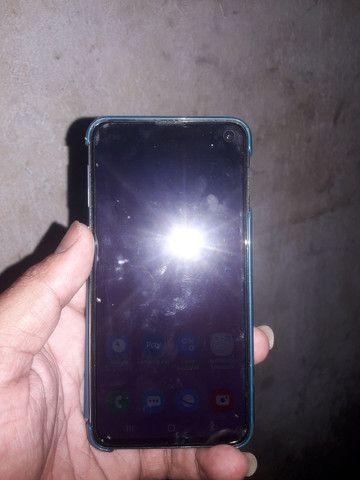 Sansung galaxy S 10E 128 GB Android 10 - Foto 2