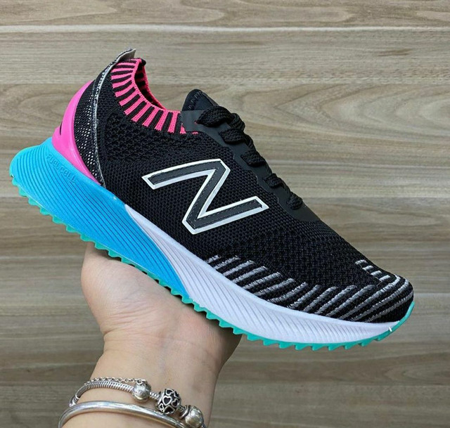 Tênis New Balance Fuelcell - Foto 6