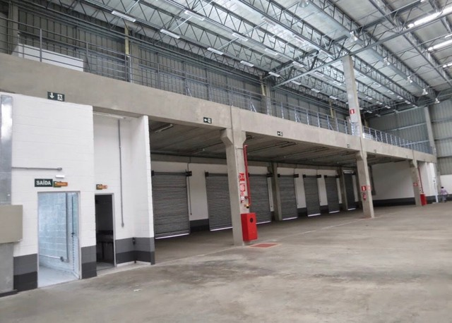 Galpão com 2000 m2  cis